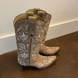 Western boots- Corral Brand, excellent condition.